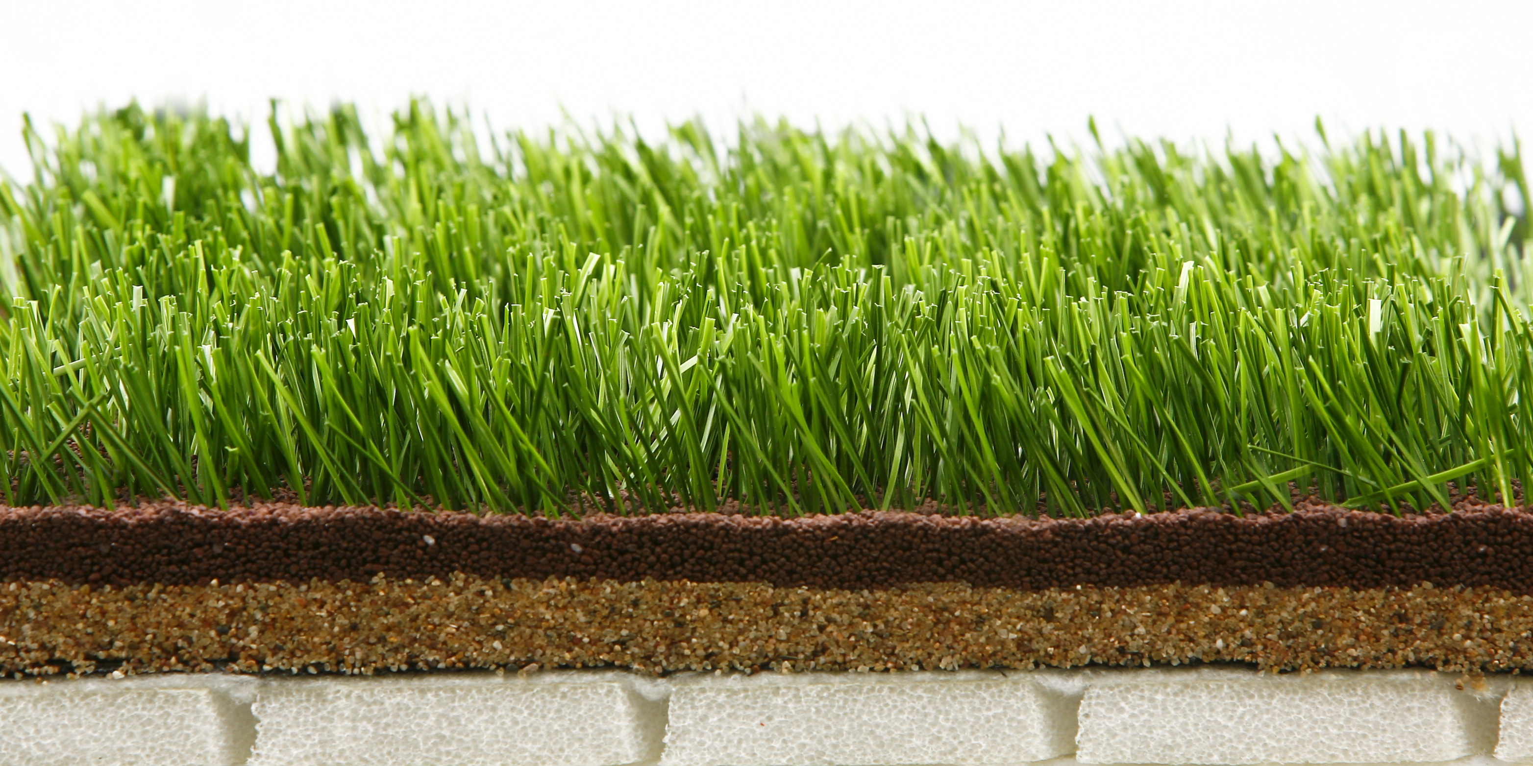 what chemicals are in synthetic grass