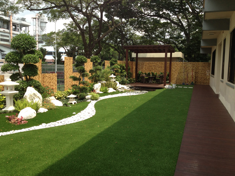 private artificial grass for garden balcony or. Black Bedroom Furniture Sets. Home Design Ideas