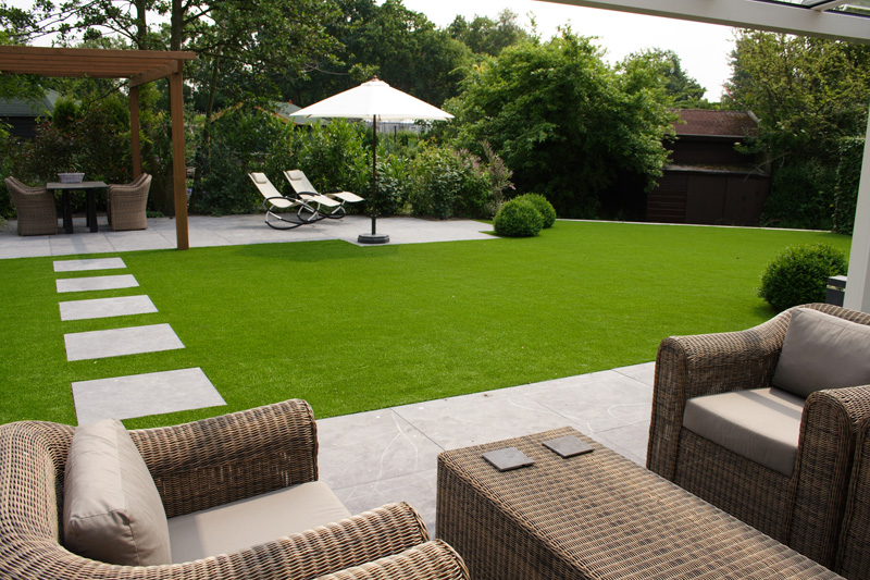Artificial lawns with synthetic grass for gardens and for Garden design netherlands