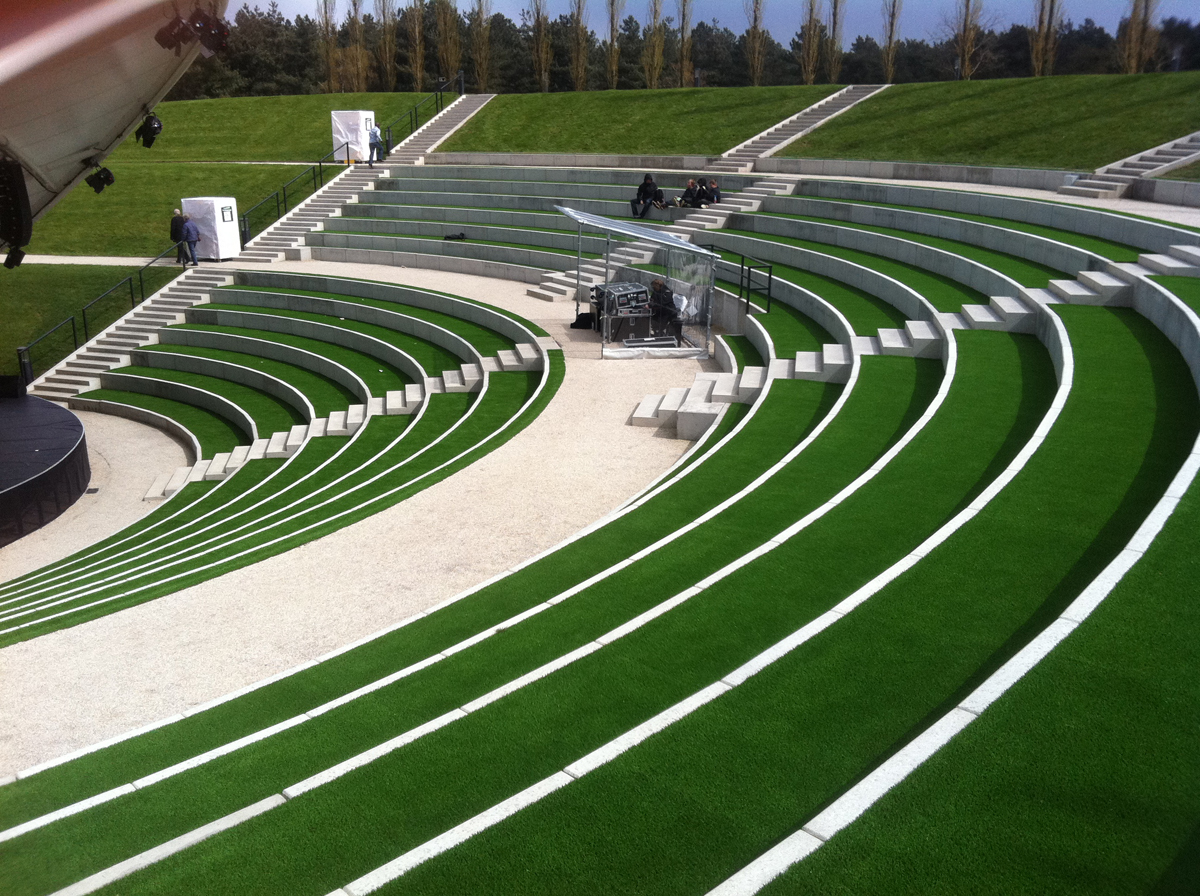 Landscaping with artificial grass synthetic grass for public green environmental aspects of artificial grass workwithnaturefo