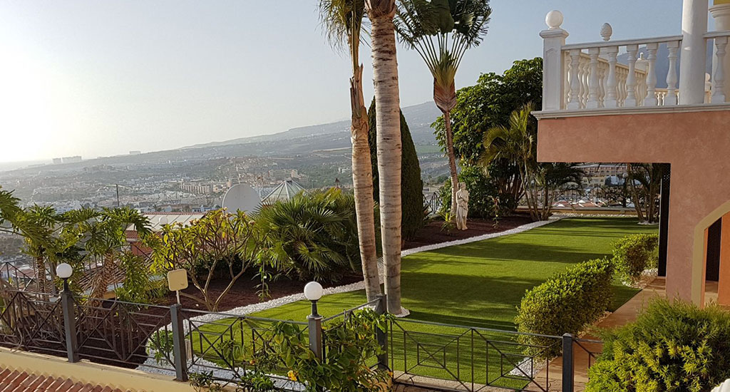 Artificial grass Tenerife